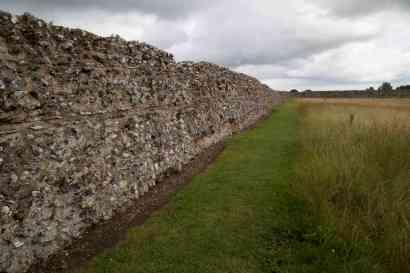 194 Roman fort at Burgh Castle web